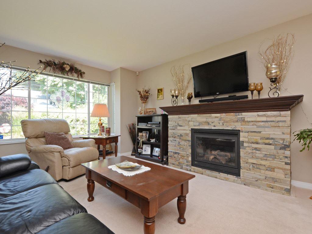 Sold: 32514 Mcrae Avenue, Mission, BC