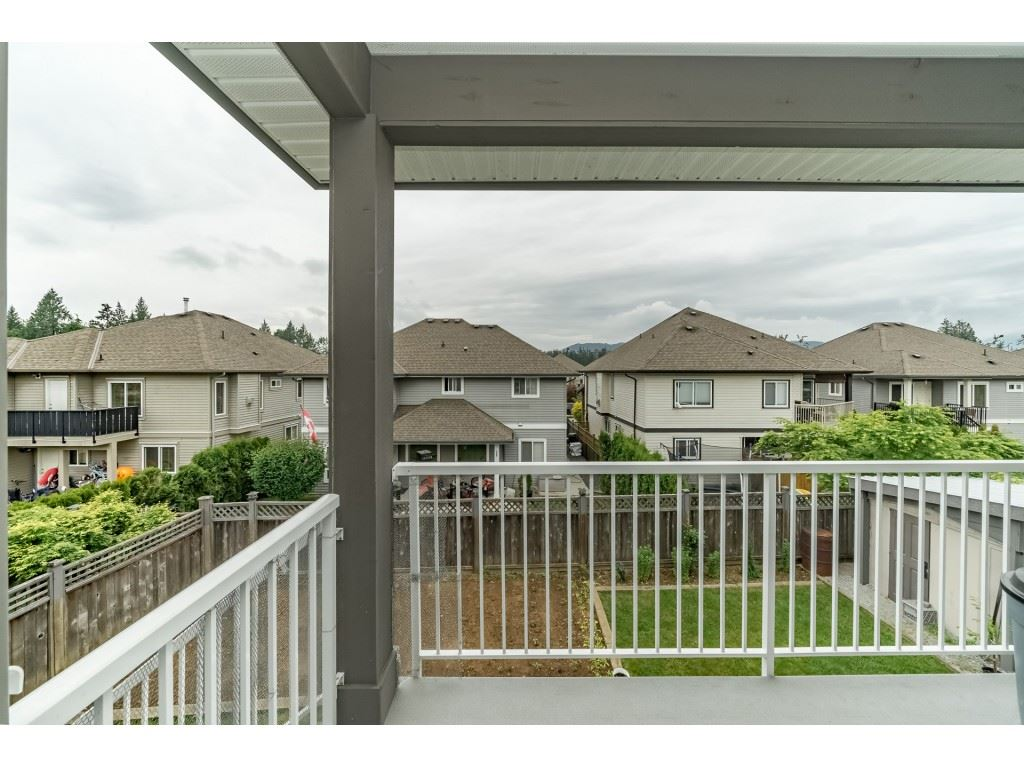 For Sale: 32515 Egglestone Avenue, Mission, BC | 7 Bed, 5 Bath House for $899,888. See 20 photos!