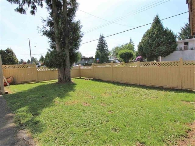 For Sale: 32591 Bevan Avenue, Abbotsford, BC   5 Bed, 3 Bath House for $774,900. See 8 photos!