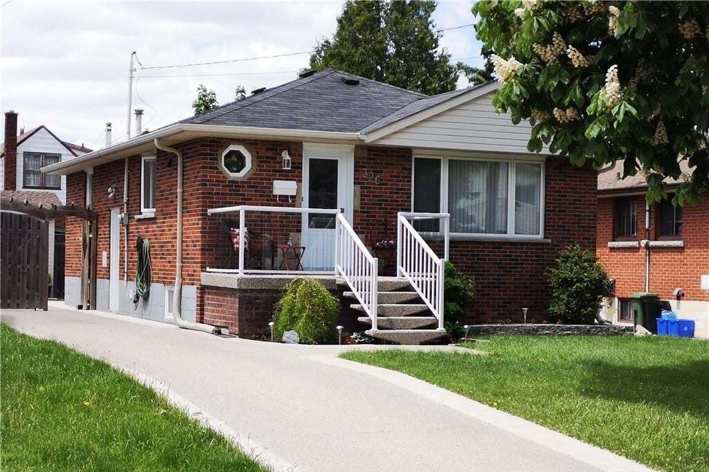 House for sale at 326 East 16th St Hamilton Ontario - MLS: H4079027
