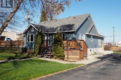 House for sale at 326 Poplar Ave Trochu Alberta - MLS: ca0154352