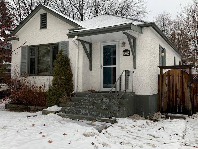 House for sale at 326 St. George Ave Thunder Bay Ontario - MLS: TB193785
