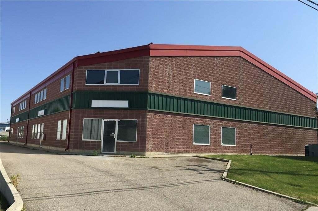 Commercial property for lease at 3260 46 Av SE Golden Triangle, Calgary Alberta - MLS: C4302646