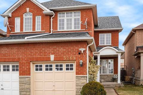 Townhouse for sale at 3265 Apricot St Mississauga Ontario - MLS: W4727406