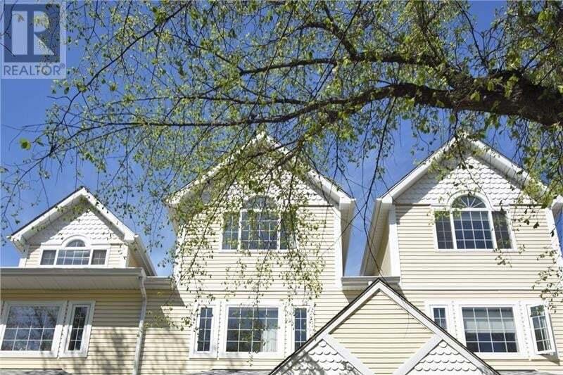 Townhouse for sale at 327 10th St E Saskatoon Saskatchewan - MLS: SK818293