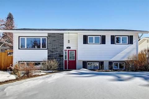 House for sale at 327 Alcott Cres Southeast Calgary Alberta - MLS: C4234111