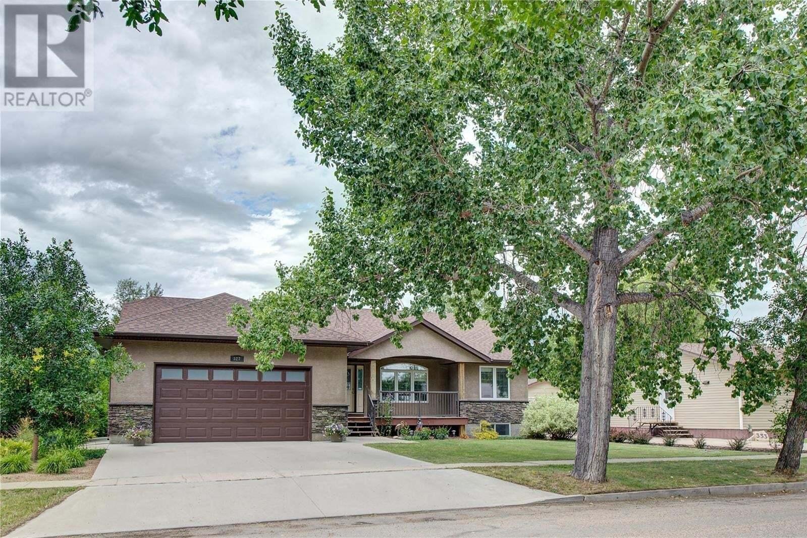 House for sale at 327 Garfield St Davidson Saskatchewan - MLS: SK821100