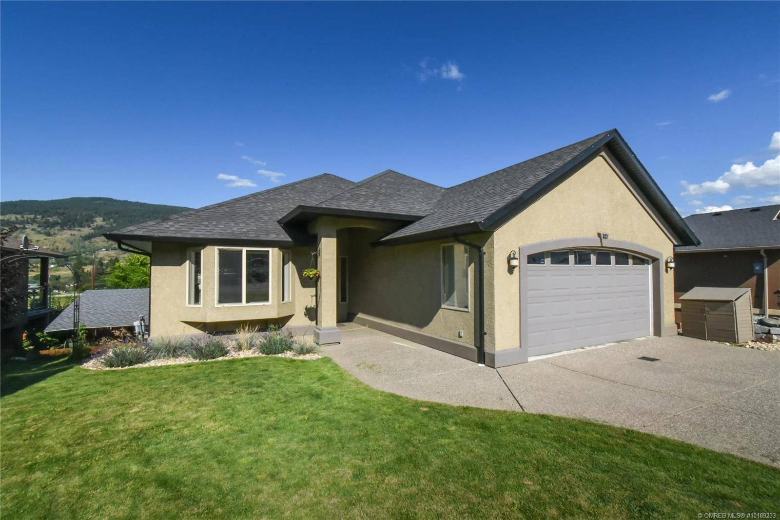 House for sale at 327 Inverness Dr Coldstream British Columbia - MLS: 10189233