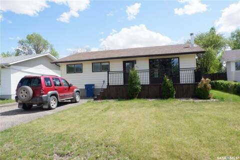 House for sale at 327 Westview Dr Coronach Saskatchewan - MLS: SK809814