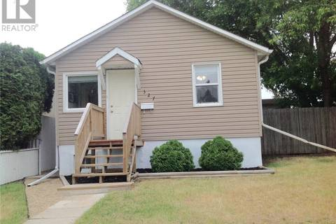 House for sale at 327 Witney Ave S Saskatoon Saskatchewan - MLS: SK776845