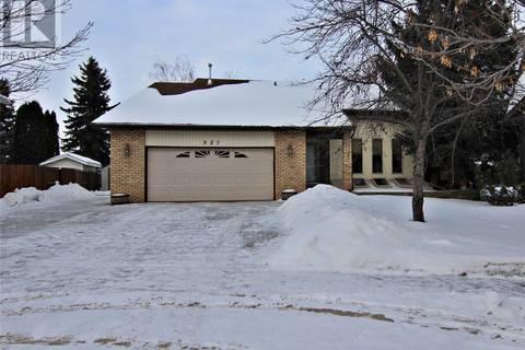 House for sale at 327 Zeman Cres Saskatoon Saskatchewan - MLS: SK798928