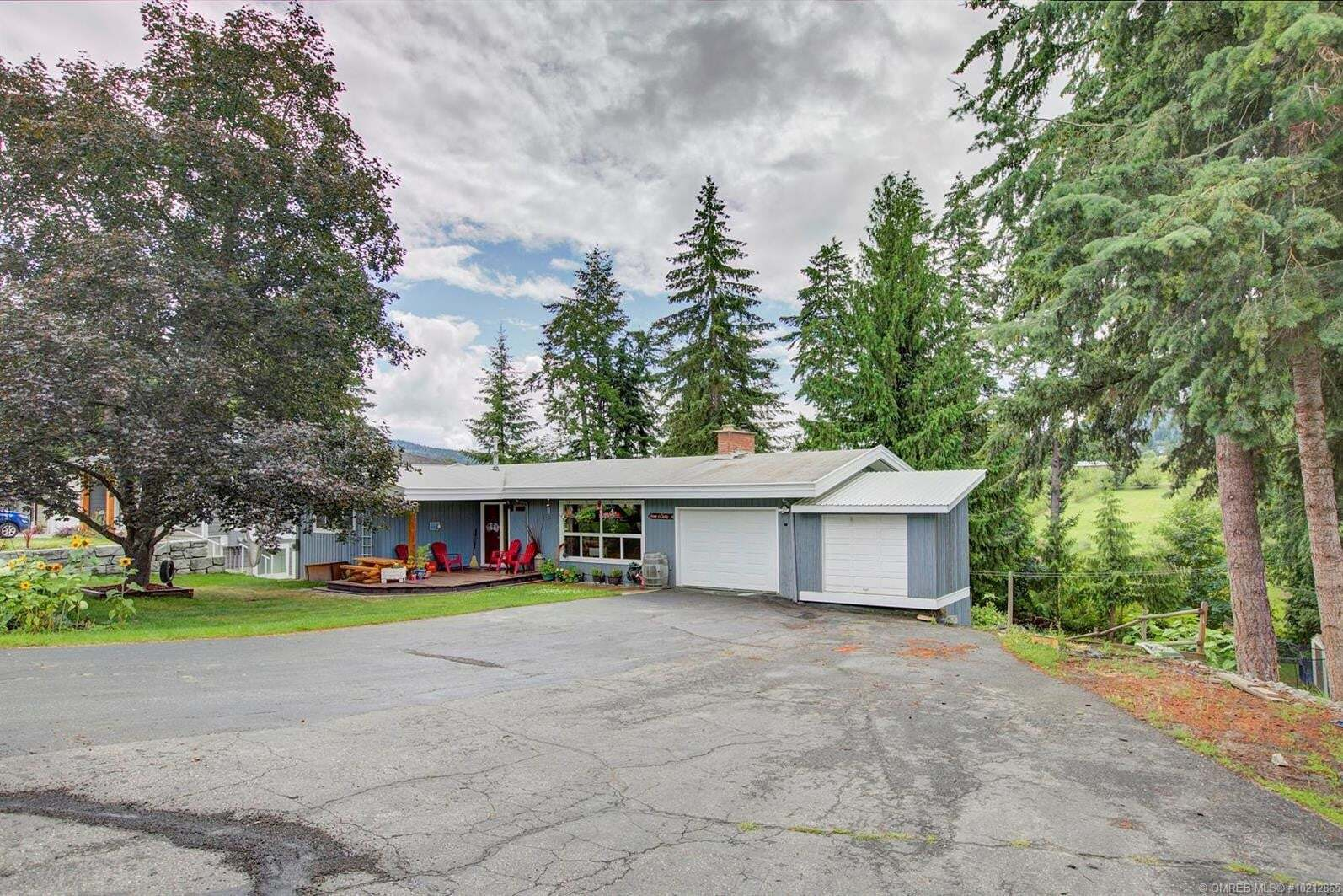 House for sale at 3270 16 Ave Northeast Salmon Arm British Columbia - MLS: 10212865