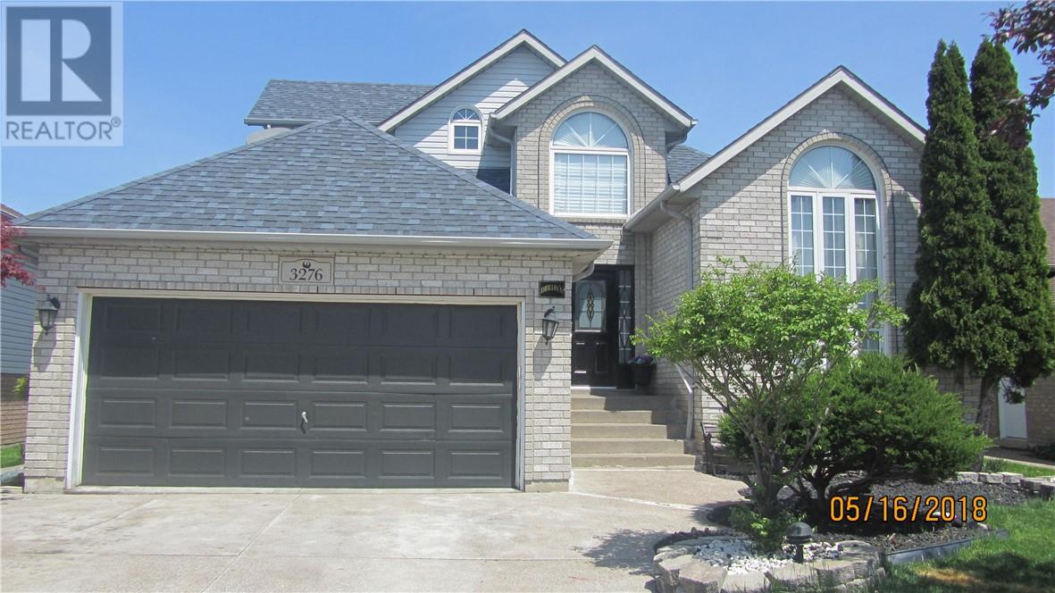 For Sale: 3276 Kenilworth , Windsor, ON | 4 Bed, 3 Bath House for $475,000. See 30 photos!