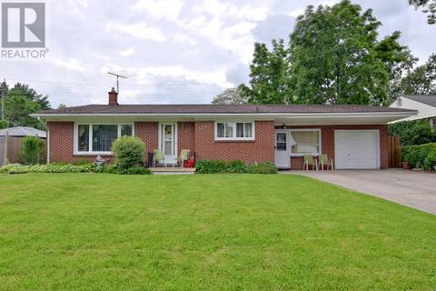 House for sale at 3277 Woodland  Windsor Ontario - MLS: 19020706
