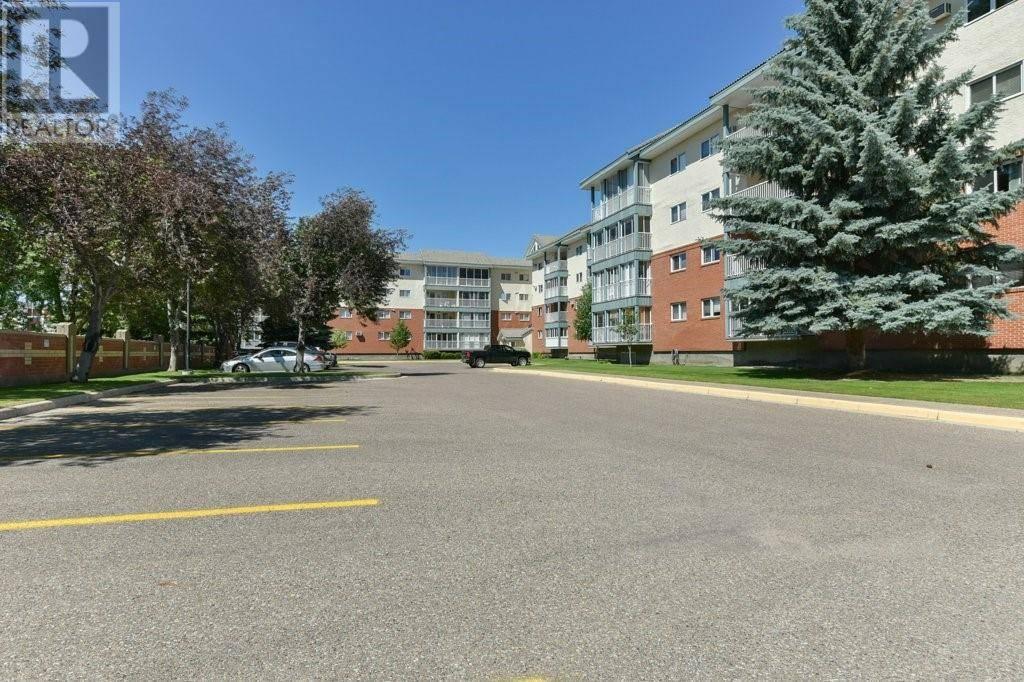 Condo for sale at 3021 13 Ave Se Unit 328 Medicine Hat Alberta - MLS: mh0189906