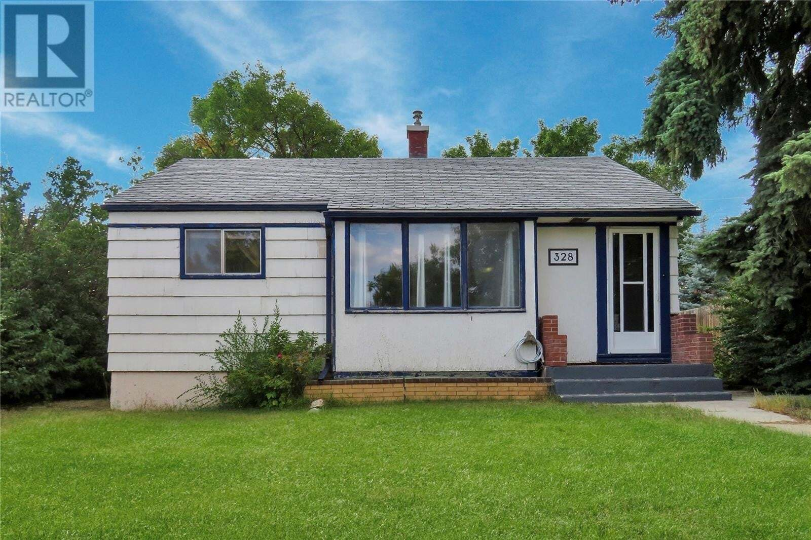 House for sale at 328 7th Ave NW Swift Current Saskatchewan - MLS: SK826906