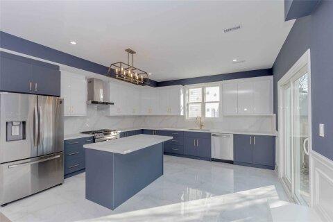 House for sale at 328 Beach Blvd Hamilton Ontario - MLS: X5088400