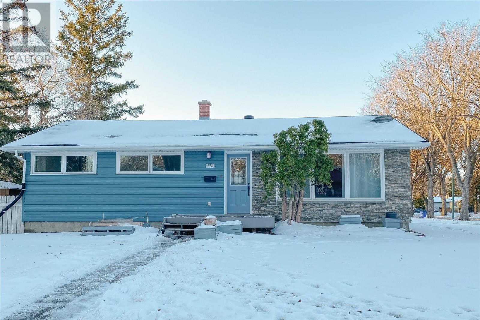 House for sale at 328 Frontenac Dr Regina Saskatchewan - MLS: SK838682