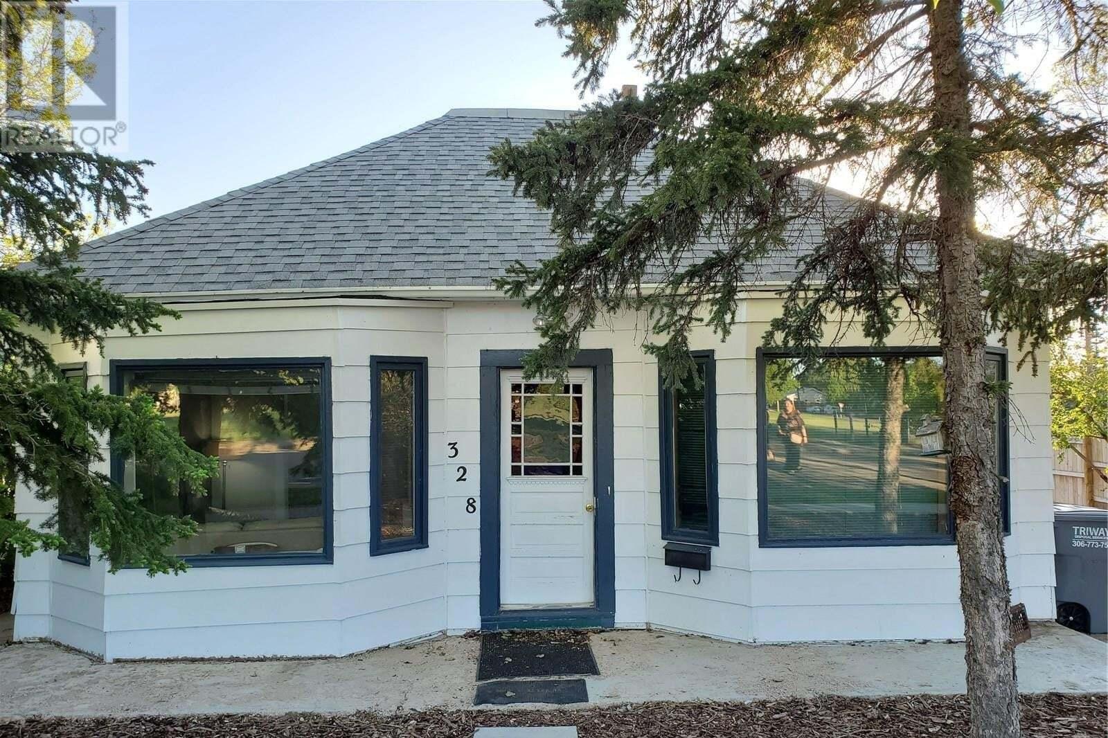 House for sale at 328 Leonard St Herbert Saskatchewan - MLS: SK811215