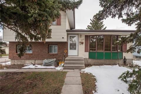 House for sale at 328 Pinewind Rd Northeast Calgary Alberta - MLS: C4242457