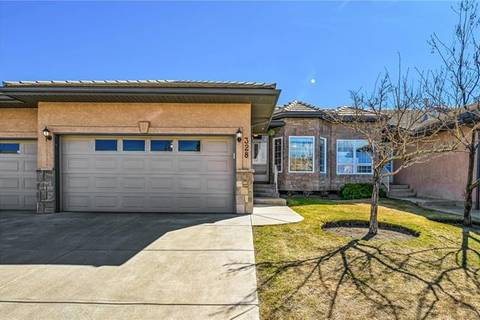 Townhouse for sale at 328 Shannon Estates Te Southwest Calgary Alberta - MLS: C4238402