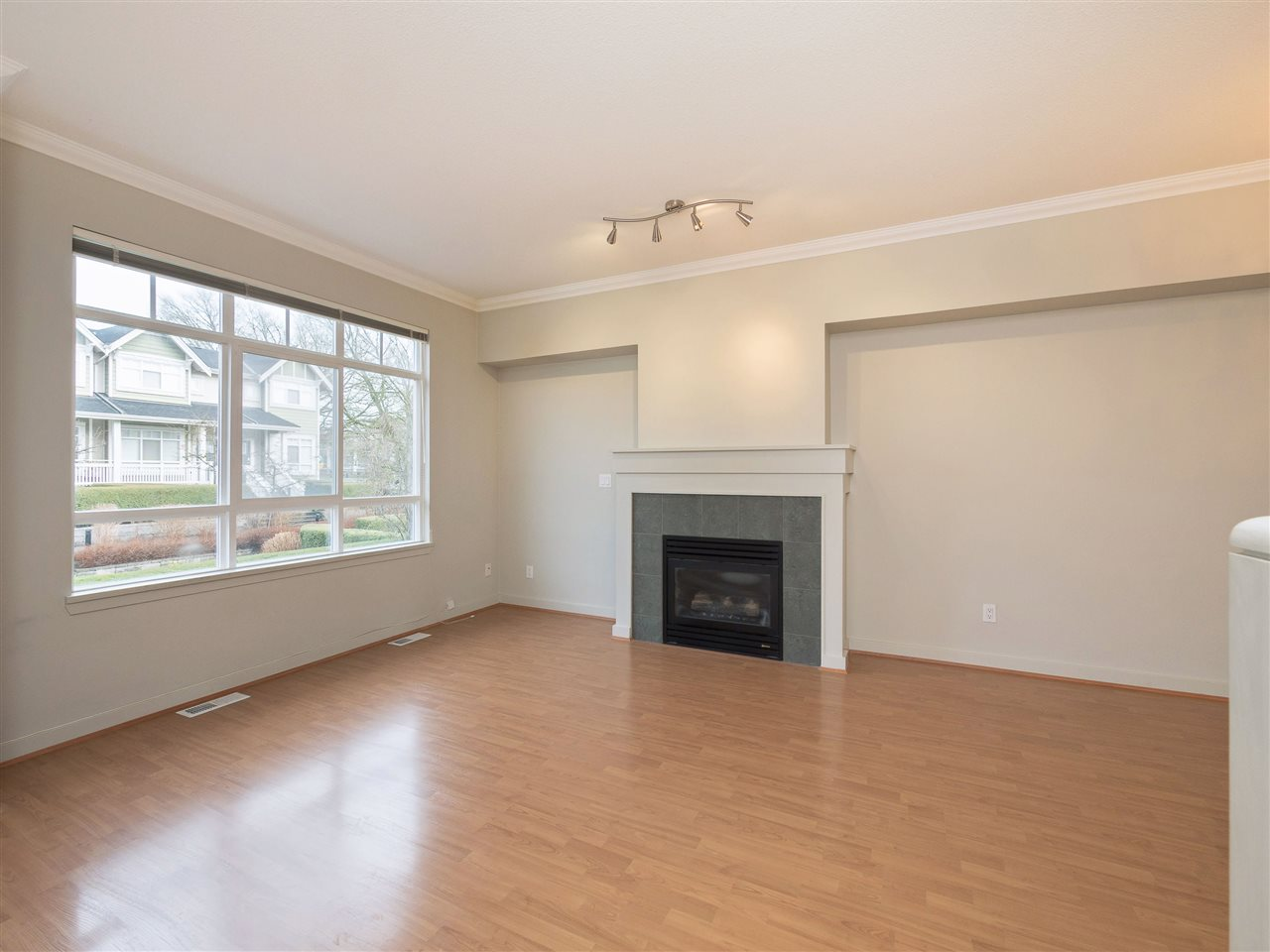 For Sale: 3280 Clermont Mews, Vancouver, BC   3 Bed, 3 Bath Townhouse for $1,180,000. See 20 photos!