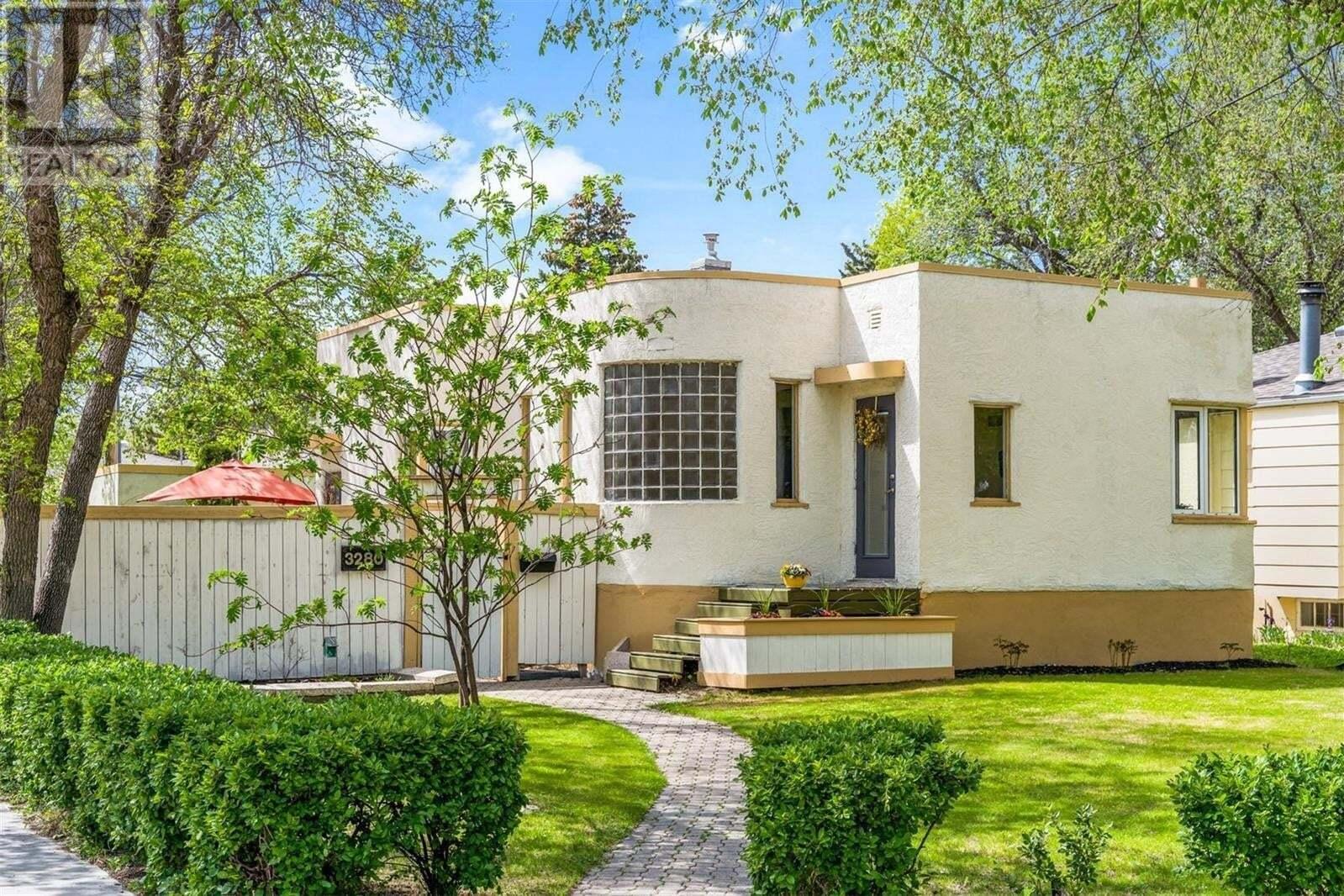 House for sale at 3280 Rae St Regina Saskatchewan - MLS: SK809873