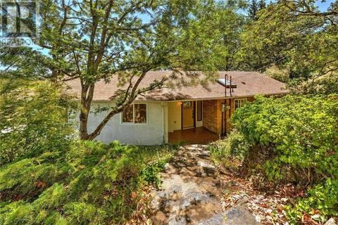 House for sale at 3287 Haida Dr Victoria British Columbia - MLS: 411823
