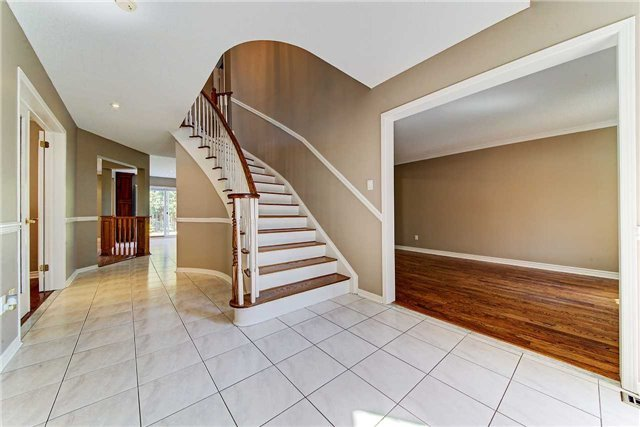 For Sale: 3291 Bloomfield Drive, Mississauga, ON | 3 Bed, 4 Bath House for $995,000. See 20 photos!