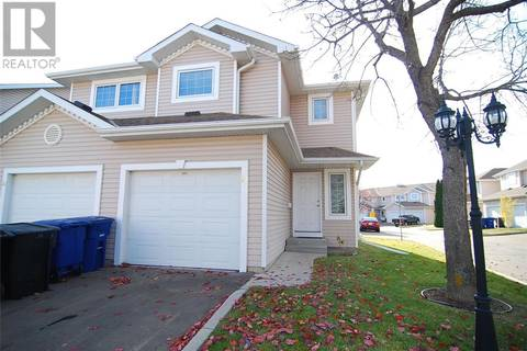 Townhouse for sale at 215 Pinehouse Dr Unit 33 Saskatoon Saskatchewan - MLS: SK804952