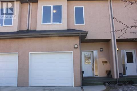 Townhouse for sale at 701 Mcintosh St E Unit 33 Swift Current Saskatchewan - MLS: SK762130