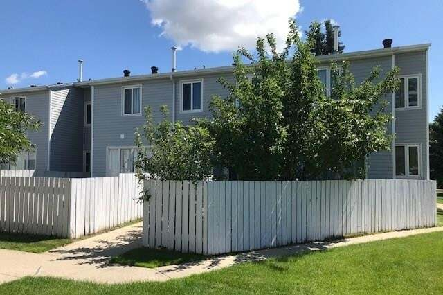 Townhouse for sale at #33 Amberly Co NW Edmonton Alberta - MLS: E4207662