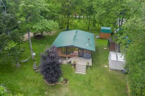 House for sale at 33 Cedarplank Rd Kawartha Lakes Ontario - MLS: X4493120