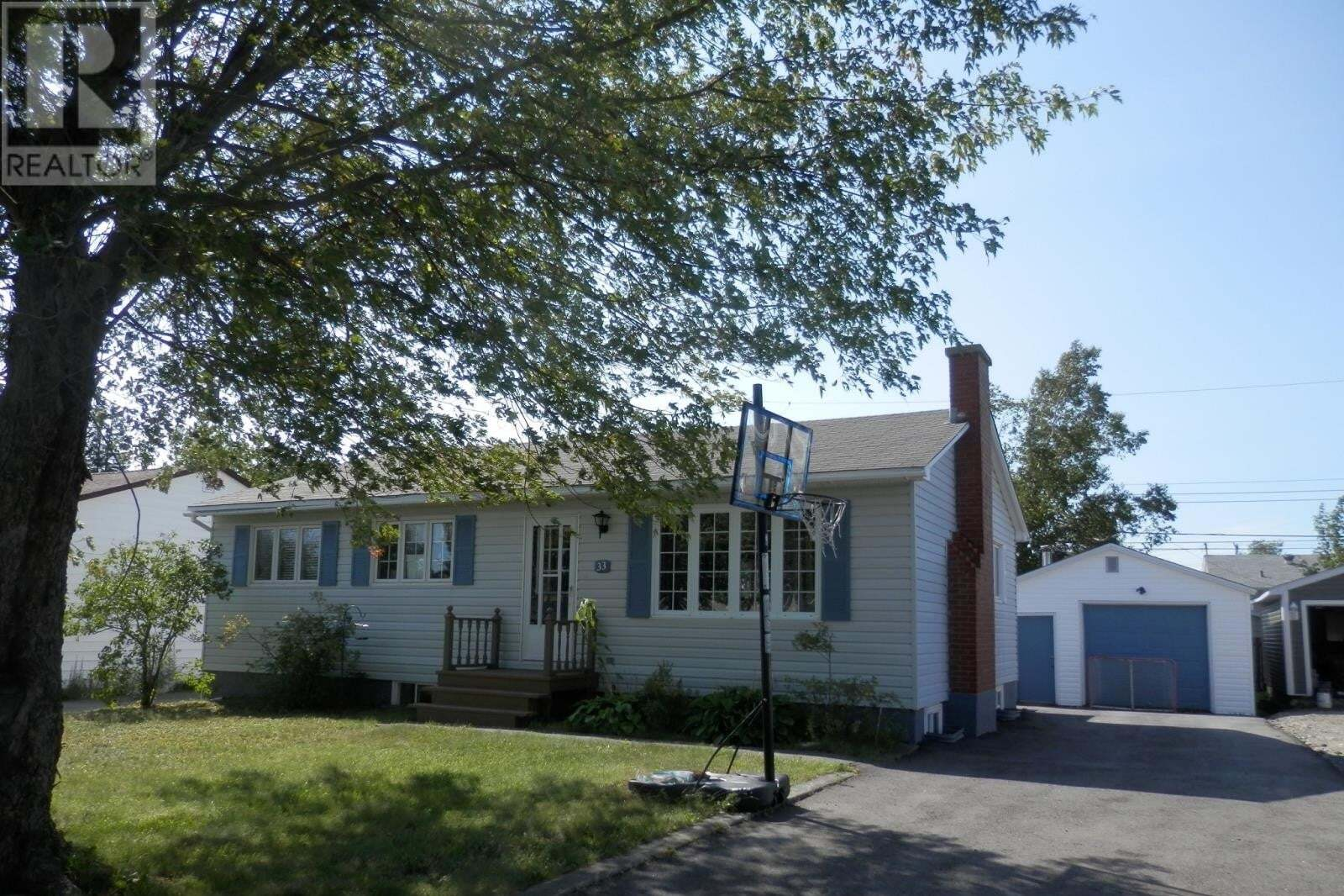 House for sale at 33 Earhart St Gander Newfoundland - MLS: 1221173