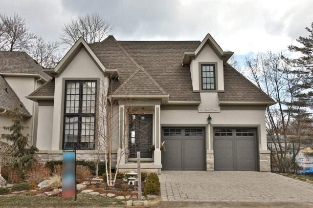 For Sale: 33 Hamlet Common , Oakville, ON | 4 Bed, 5 Bath House for $2,439,000. See 20 photos!
