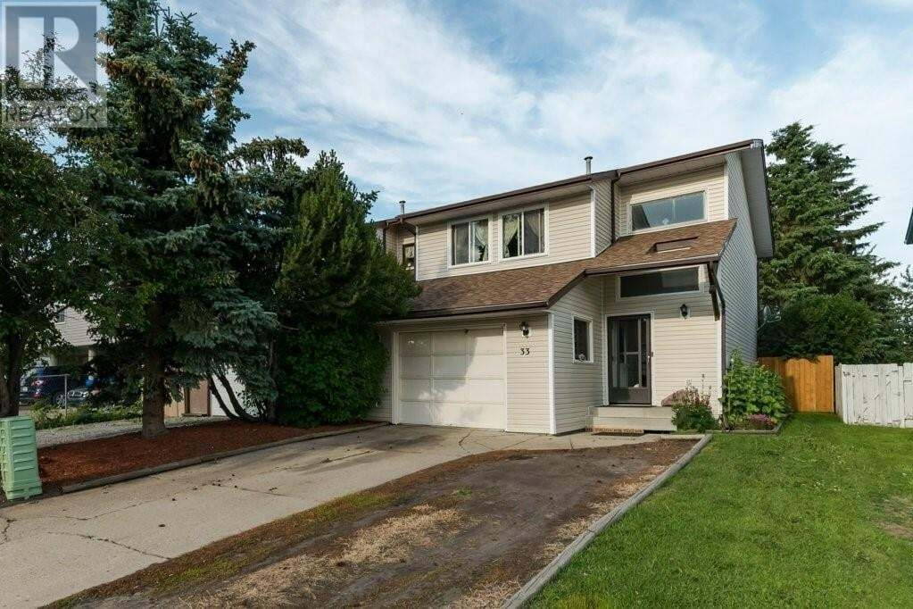 Townhouse for sale at 33 Hangingstone Dr Lacombe Alberta - MLS: CA0189473