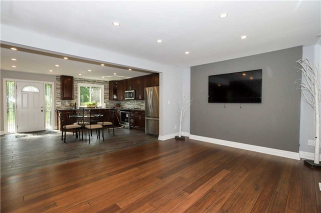 For Sale: 33 Lake Avenue, Hamilton, ON | 3 Bed, 3 Bath House for $599,900. See 20 photos!