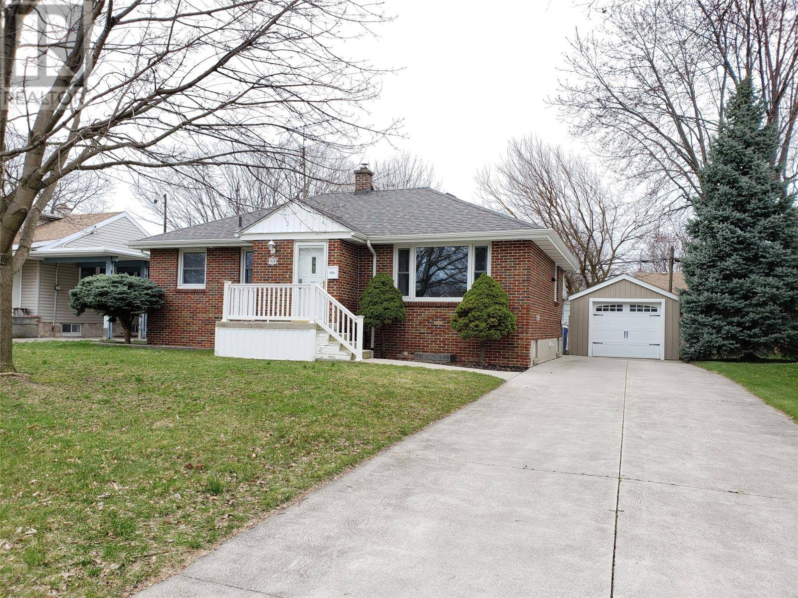 House for sale at 33 Mcgeorge Ave Chatham Ontario - MLS: 20003852