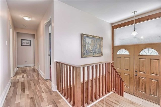 For Sale: 33 Millard Avenue, Newmarket, ON | 3 Bed, 2 Bath House for $888,000. See 20 photos!