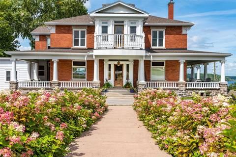 House for sale at 33 Robert St Penetanguishene Ontario - MLS: S4748667