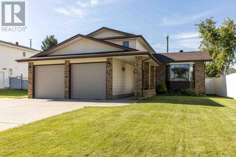House for sale at 33 Roland St Red Deer Alberta - MLS: ca0172887