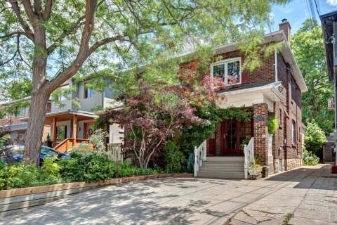 Townhouse for sale at 33 Waller Ave Toronto Ontario - MLS: W4820417