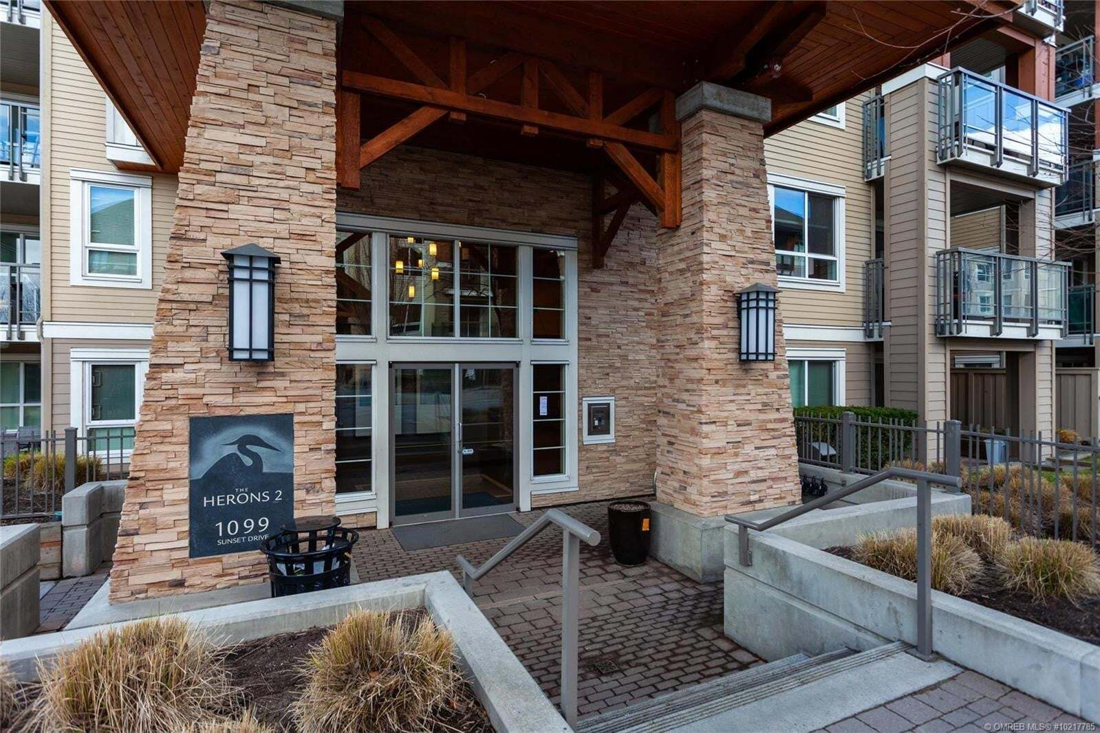 Condo for sale at 1099 Sunset Dr Unit 330 Kelowna British Columbia - MLS: 10217785