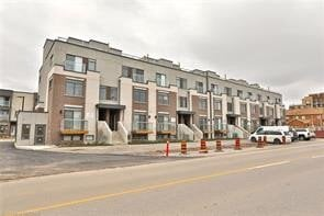 Townhouse for sale at 3078 Sixth Line Unit 330 Oakville Ontario - MLS: O5000426
