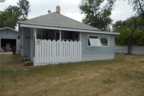 Home for sale at 330 4th St Estevan Saskatchewan - MLS: SK808194