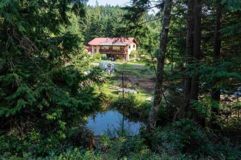 House for sale at 330 Forest Ridge Rd Bowen Island British Columbia - MLS: R2505651