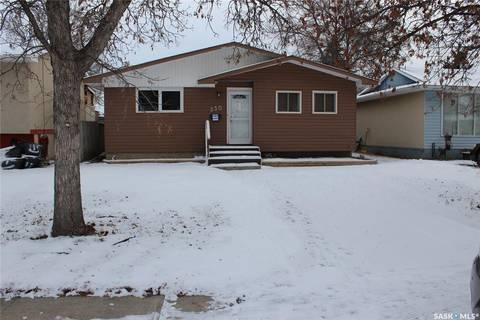 House for sale at 330 Forsyth Cres Regina Saskatchewan - MLS: SK791096