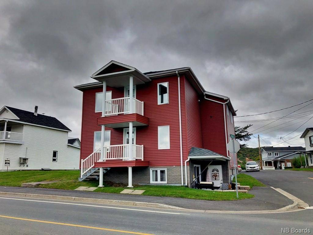 Townhouse for sale at 330 Victoria St Edmundston New Brunswick - MLS: NB033309