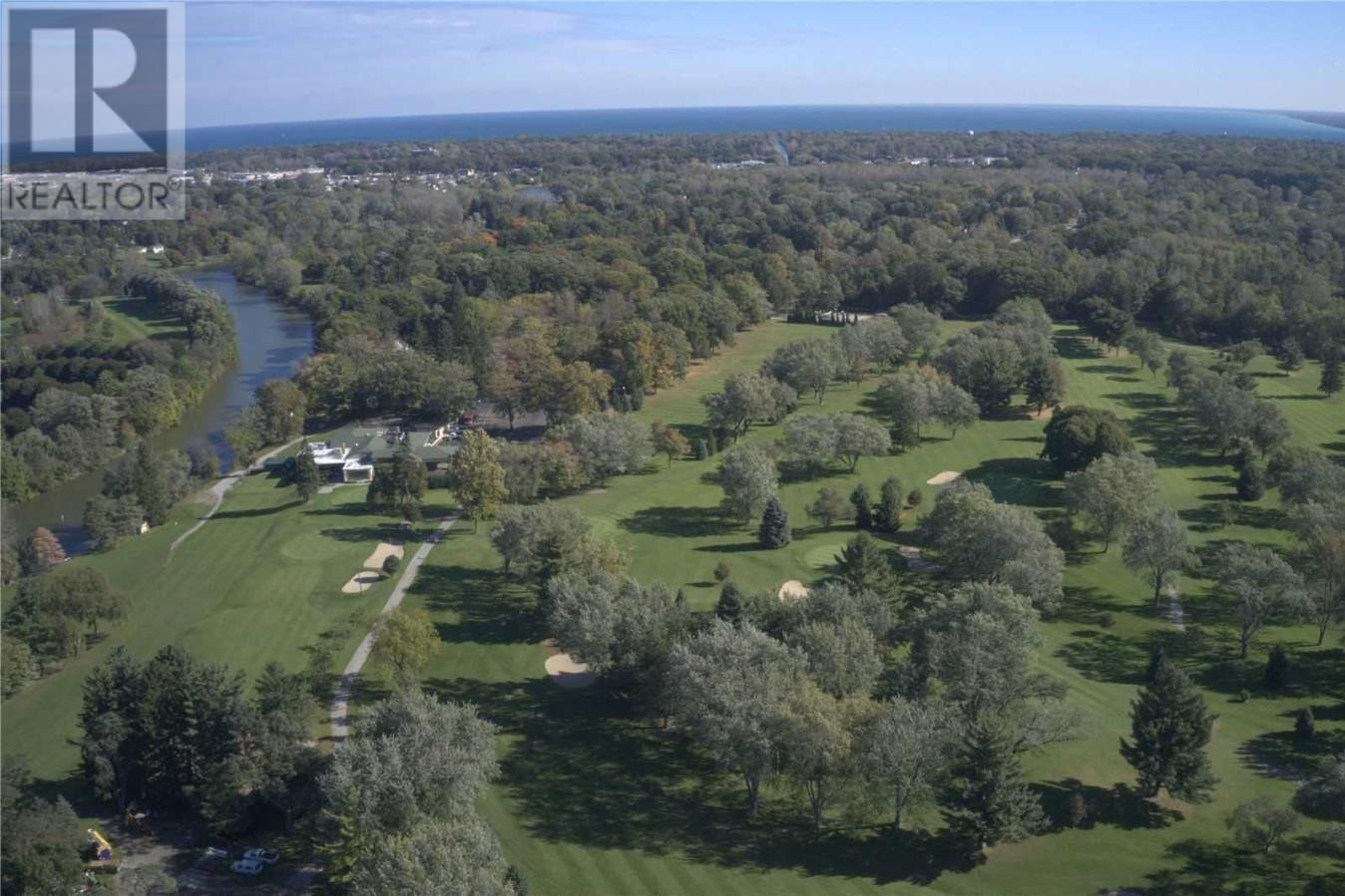 Commercial property for sale at 3300 Country Club Dr Port Huron, Mi Ontario - MLS: Z4711395