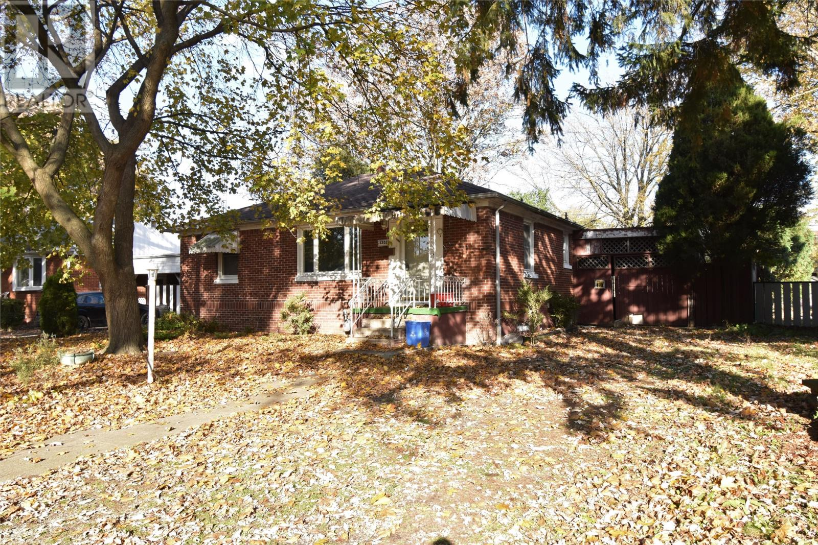 Removed: 3302 Curry Avenue, Windsor, ON - Removed on 2020-01-11 04:51:12